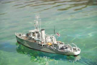 Imagine atasata: HMAS Cowra.jpg