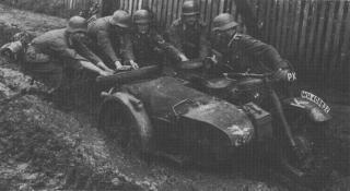 Imagine atasata: propaganda_kompanie_Rusia_1941.jpg