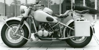 Imagine atasata: BMW_R75_foto_epoca.jpg