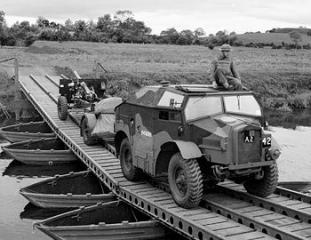 Imagine atasata: IWM-H-20971-Morris-C8-Slaght-Bridge-19420626.jpg