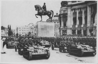 Imagine atasata: Malaxa UE & tun AT Schneider mod. 1936, cal. 47 mm, Divizia de Garda, 001.jpg