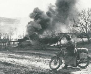 Imagine atasata: DKW_on_Eastern_Front_small.jpg