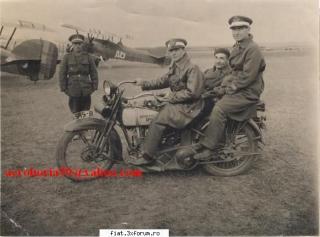 Imagine atasata: Harley Davidson pe aerodrom.jpg
