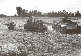 Imagine atasata: Loyd Carrier TT & QF 6 pdr. Mk. IV, 58th AT Reg., 10th Battalion Durham Light Infantry, 49th (West Riding) ID, XXX Corps, 14 km V Caen, 26 iunie 1944.jpg