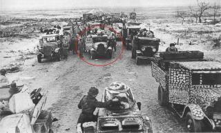 Imagine atasata: Weird-winter-camo-on-Zi-S-5-GAZ-AA-trucks.jpg