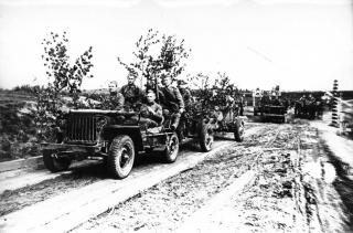 Imagine atasata: Jeep & Tun AT md. 1938, cal. 45 mm, 001.jpg