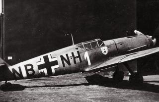 Imagine atasata: Messerschmitt-Bf-109V22-JFS2-White-1-WNr-1800-Stkz-NB+NH-01.jpg