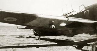 Imagine atasata: French-AF-later-RAF-AE476-Bf-109E3-1.JG76-White-1-WNr-1304-captured-France-22nd-Nov-1939-05.jpg