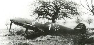 Imagine atasata: Messerschmitt-Bf-109E3-1.JG76-White-1-WNr-1304-captured-France-22nd-Nov-1939-01.jpg