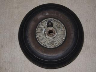 Imagine atasata: messerschmitt-bf-109-tail-wheel-tyre_360_c1461150427d9e6e0856db7533387550.jpg