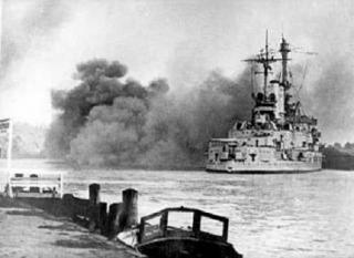 Imagine atasata: Schleswig_Holstein_firing_Gdynia_13.09.1939.jpg