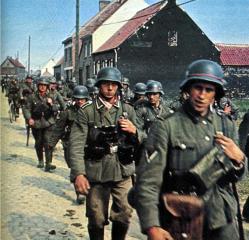 Imagine atasata: infanteria_germana_trece_in_polonia.jpg