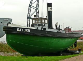 Imagine atasata: Dampfschlepper_Saturn_(Baujahr_1908)_in_Rostock_(01-2)-1.jpg