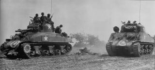 Imagine atasata: Battling_Bitch___M4_105mm_Howitzer.jpg