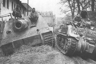 Imagine atasata: 800px_Sturmtiger_abandoned_M4_ARV.jpg