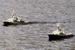 Imagine atasata: HMCS Annapolis  HMCS St. Laurent.jpg