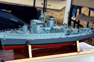Imagine atasata: HMAS Toowoomba.jpg