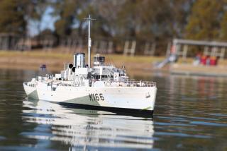 Imagine atasata: HMCS Snowberry.jpg